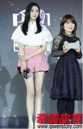 关晓彤告别国民闺女 只因为裙子越穿越短太暴露吗_0