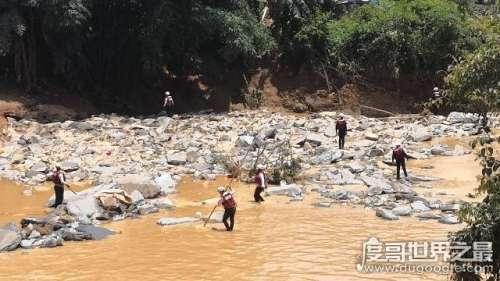 广西山洪12人遇难,国道发生塌方救援队难以实施救援