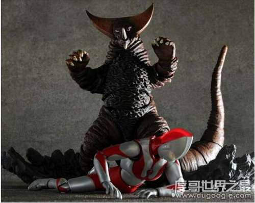 古代怪兽哥莫拉,初代奥特曼的强敌(被切断尾巴会进入暴走状态)
