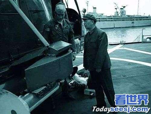 刘华清垫脚照片 如何评价刘华清将军