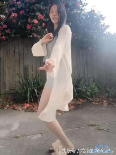 小姐姐脸一般却因裙子够短腿够长而红网友全抖音女孩你最美