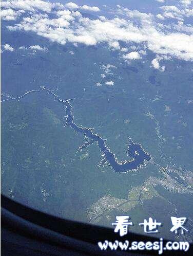 日本水坝照片神似龙形见龙话题在网络引热议