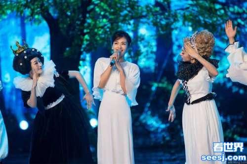 刘涛变撒娇女神一袭白裙杀伤力十足图
