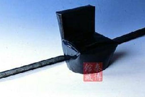 长翅帽是谁发明的赵匡胤发明长翅帽到底是什么原因