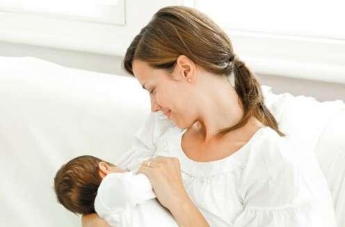 【亲子】给宝宝断母乳有技巧 全家都轻松