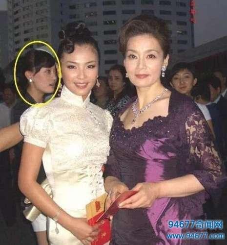 刘涛晒10年前旧照,气质出众,但网友都被她身后的女星吸引