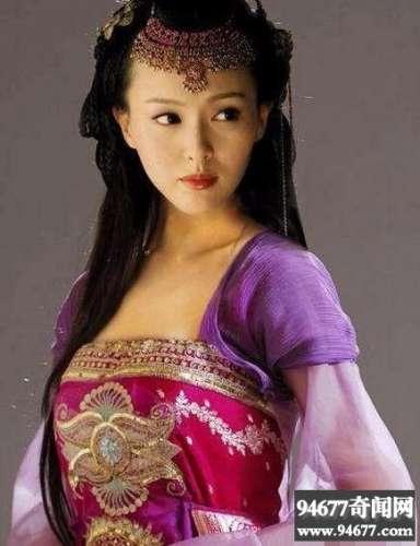 一众女星穿上紫色古装,气质全无变身路人,李晨看了都后悔!