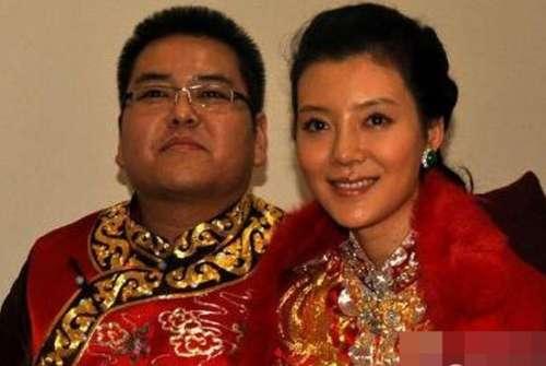 影星王宝强迎娶了大学校花震惊娱乐圈