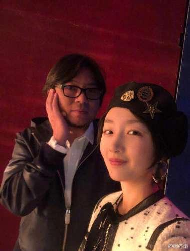 周冬雨感谢高晓松传授自拍秘诀网友他比你妩媚