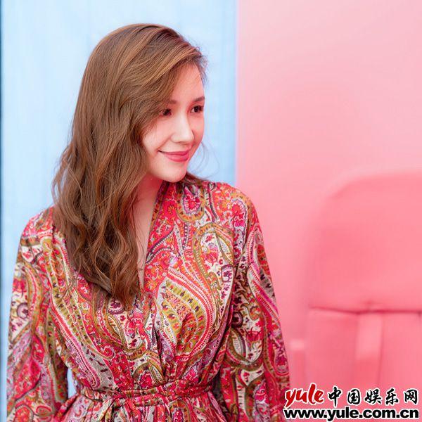 性感女神刘宇珽最新写真 诠释唯美与休闲的双面人生