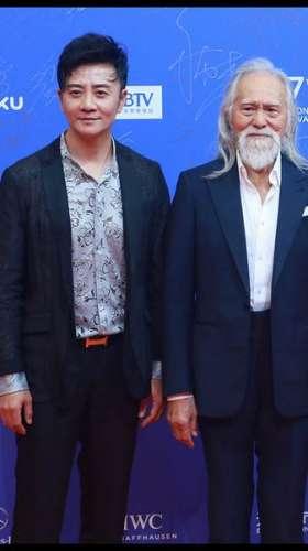 张岩亮相北京国际电影节笑称我为艺术疯狂