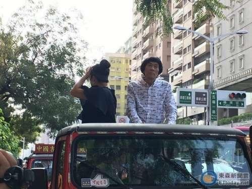 台湾谐星猪哥亮暴瘦紧急住院儿子医院照料爸爸