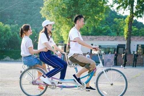 王仁君青春同学会暴露反差萌风趣幽默吸粉无数