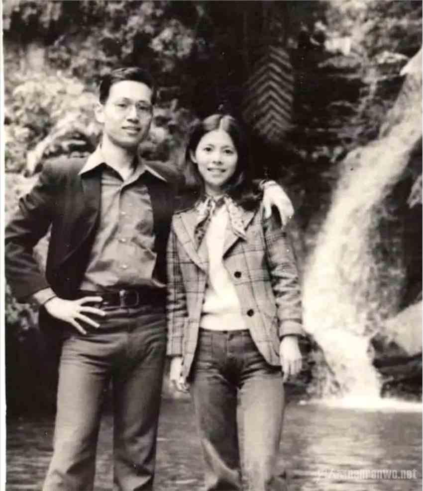 Selina父母年轻旧照曝光