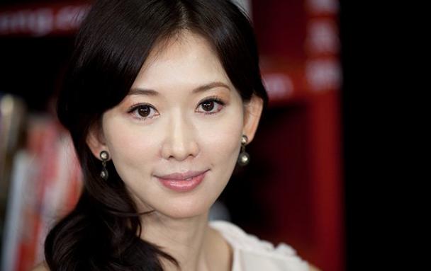 林志玲与富商婚事告吹,最后她嫁给了爱情?