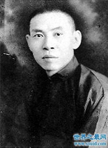 杜月笙堪称民国时期黑帮老大 为何他不愿去台湾