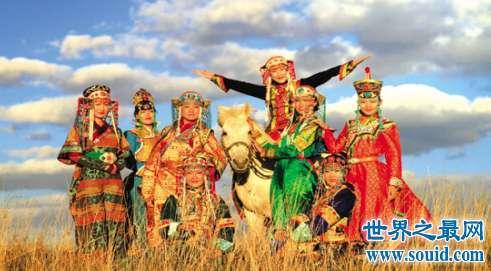 马背上的民族蒙古族 让我们来看看他们的勇猛和热情好客