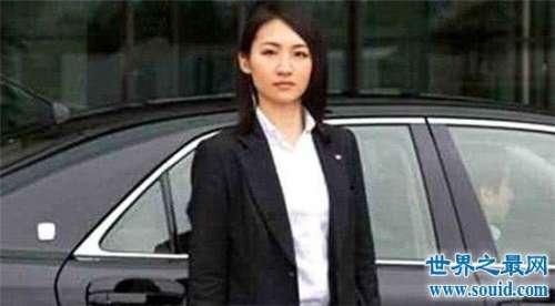 石田萌美颜值高身材好,出生于保镖世家本领多