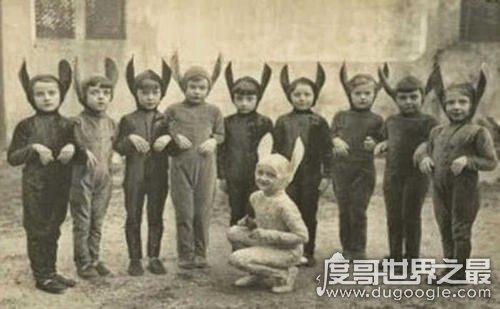 美国恐怖兔人杀人传说,杀人后会留下兔子尸体(未发现凶手)