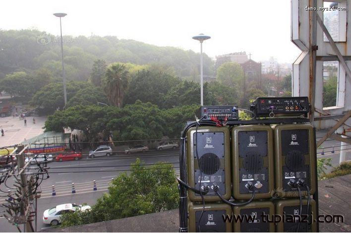 温州住户合买高音炮 广场舞大妈被击退