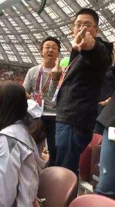 陈奕迅观战世界杯对球迷竖中指?经纪人还原真相