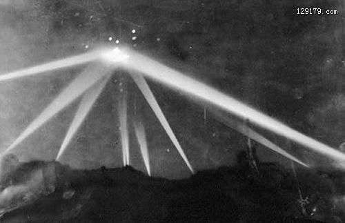 洛杉矶之战人类炮击UFO的惊人真相 最不可思议的大众目击UFO事件